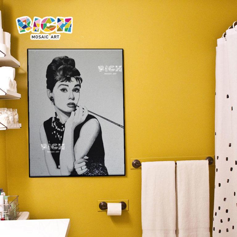 RM-FI19 Hepburn Tiffany Breakfast Image mosaïque pour salle de bain
